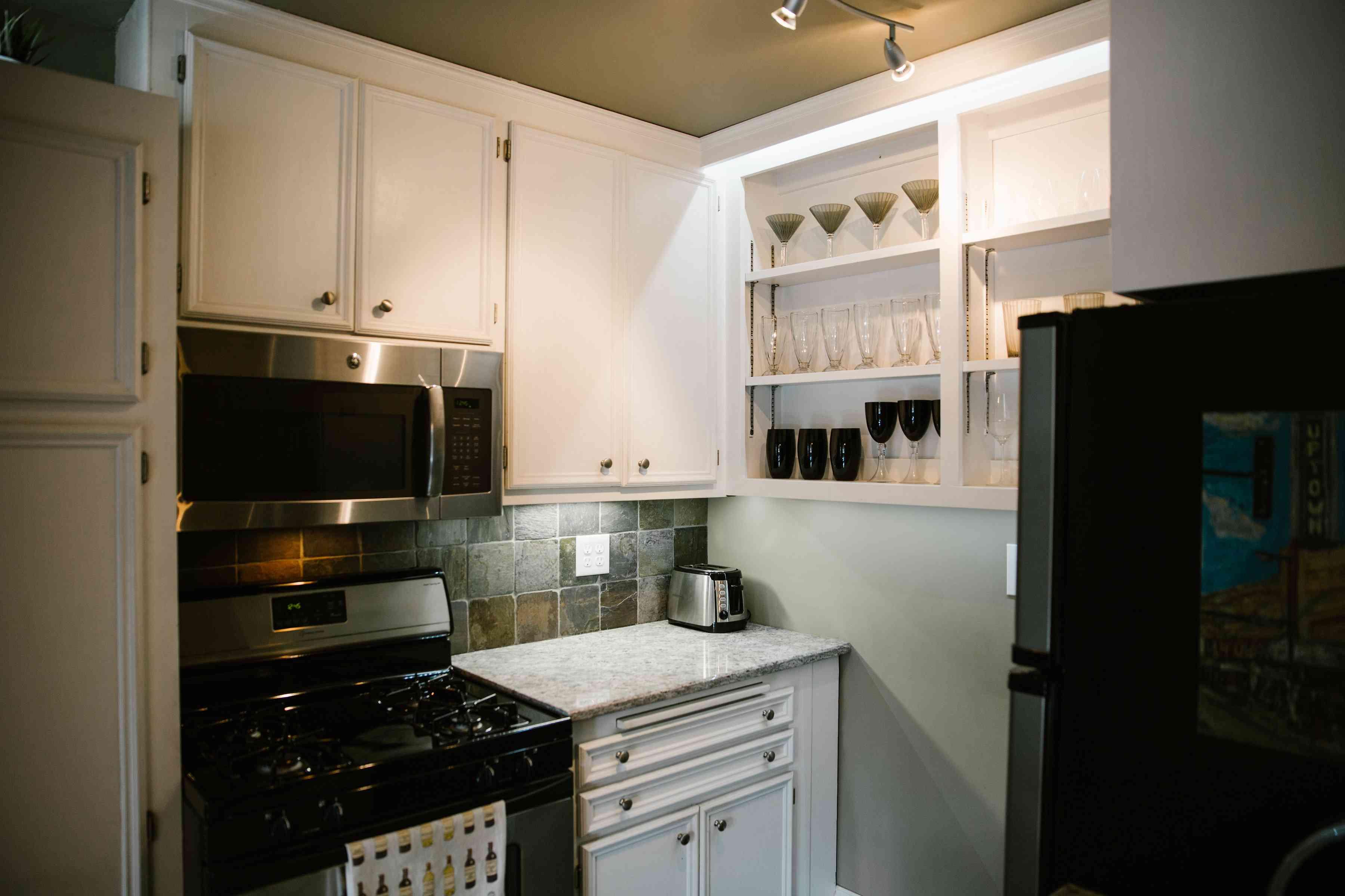 Oven Kitchen